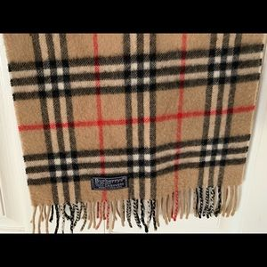 Burberrys of London 100% Cashmere Scarf